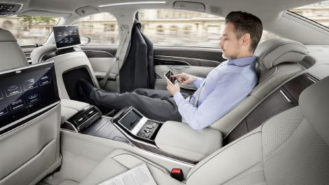 Audi-A8-19.jpg
