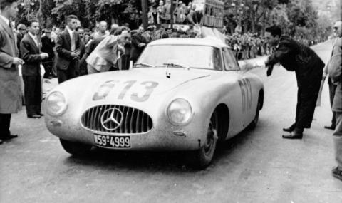 Mercedes_Benz_300_SL.jpg